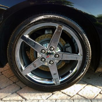 Car Wheel Cleaning and Color Restoration